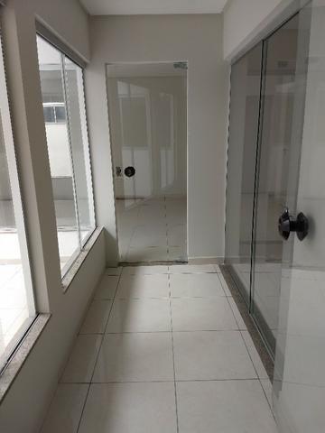 Alugo imóvel térreo no Centro com 4 salas, recepção, 2 Wc's, copa e depósito - Foto 6