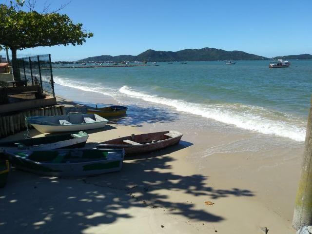 Ótimo terreno na quadra do mar da Praia de Zimbros em Bombinhas SC