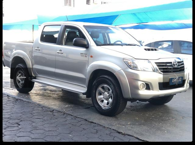 Toyota Hilux SR 4x4 3.0 8V 116CV TB DIESEL / pneu NOVO / todas revisões na Toyota - Foto 2