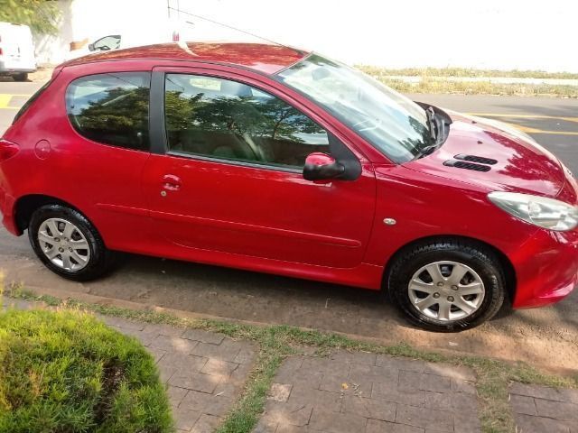 Excelente oportunidade Vendo Peugeot - Foto 3