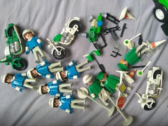 Bonecos e Carro Playmobil Antigo Policia