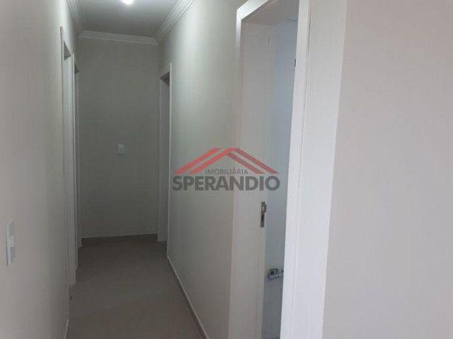 Apartamento térreo, FRENTE MAR em condomínio - Com 01 suíte + 02 quartos - Foto 10