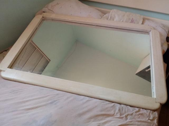 Espelho grande emoldurado todo em pátina