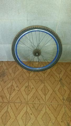 Vendo roda de aro aero completa