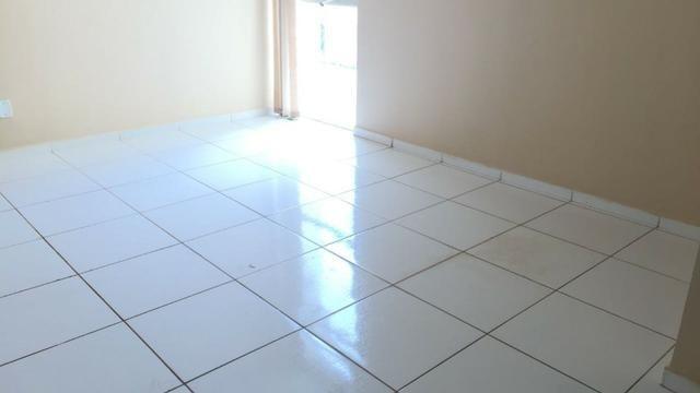 Aluga-se apartamento com 2/4, na quadra 405 sul