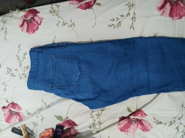 Calça jeans feminina usada