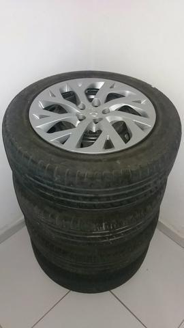 Jogo de pneus calotas e rodas 205 55 16