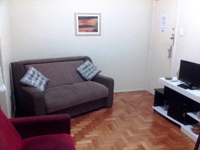 Aluguel por temporada de excelente aptº de quarto e sala em Copacabana