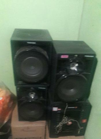 Um aparelho de som