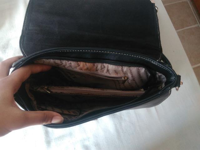 bbae6e0e6 Bolsa Preta com Dourado Estruturada - Bolsas, malas e mochilas ...