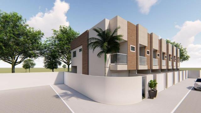 Casa duplex de 02 quartos no Três Barras