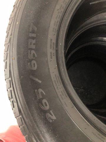 4 pneus 265/65/aro 17 Hillux  vendo as 4  - Foto 4