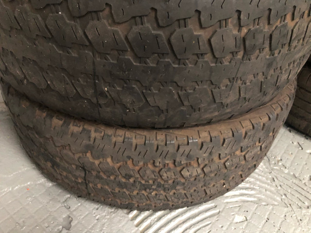 4 pneus 265/65/aro 17 Hillux  vendo as 4