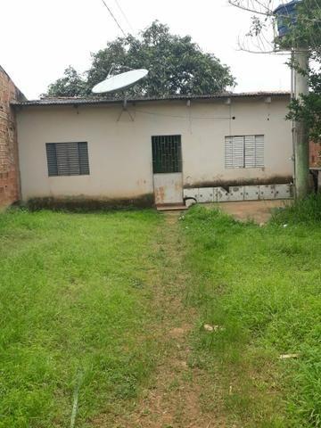 Vendo casa em pvh troco por uma em Jaru