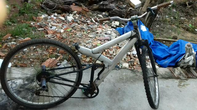 Bicicleta de alumínio rebaixada