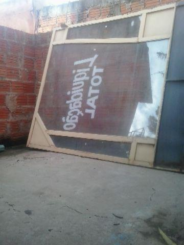 Porta d vidro serve para portao d casa