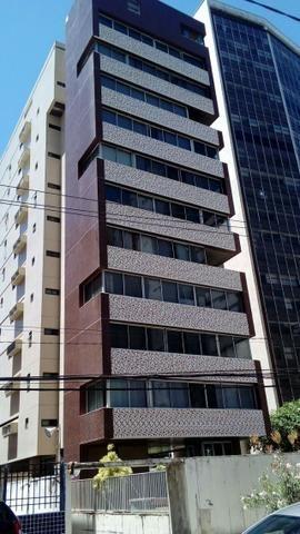 Navegantes 170 m² Prédio de Porte 3 quartos suíte 2 garagens