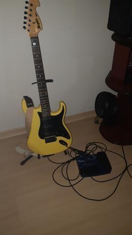 Vendo guitarra e pedaleira