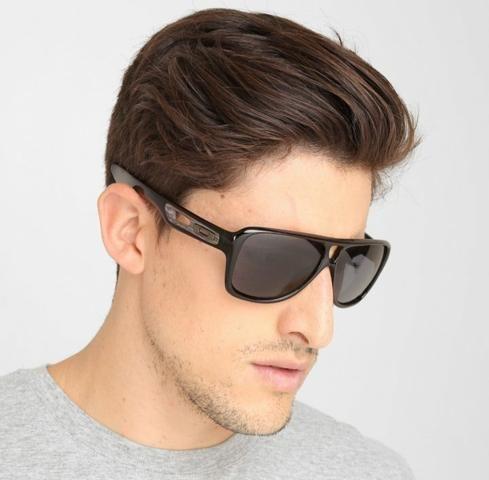 8a5d20450ab84 Óculos de Sol Oakley Dispatch 2 Iridium Preto Lentes Pretas ...