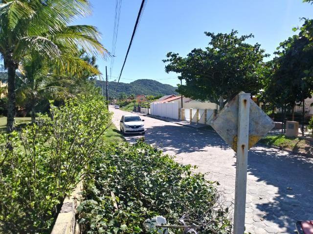 Ótimo terreno na quadra do mar da Praia de Zimbros em Bombinhas SC - Foto 3