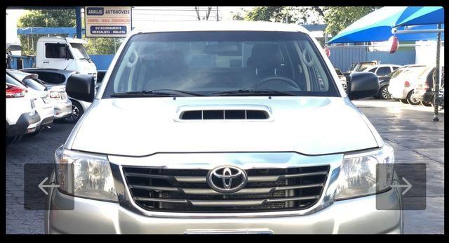 Toyota Hilux SR 4x4 3.0 8V 116CV TB DIESEL / pneu NOVO / todas revisões na Toyota