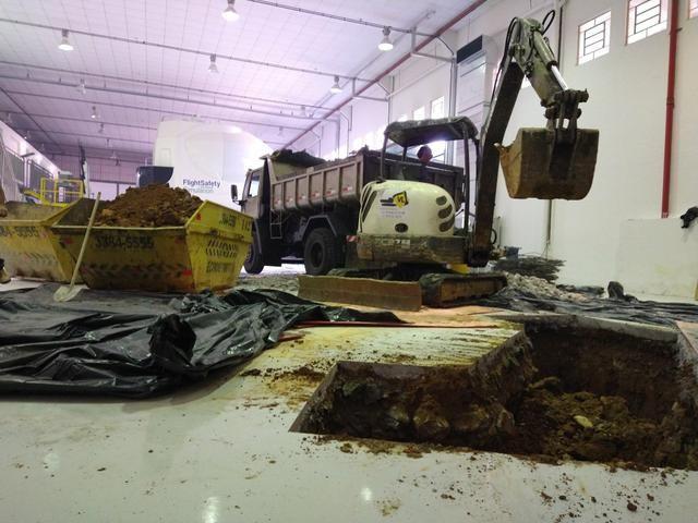 Bob Cat, Mini Escavadeira Limpeza de Terrenos - Foto 6