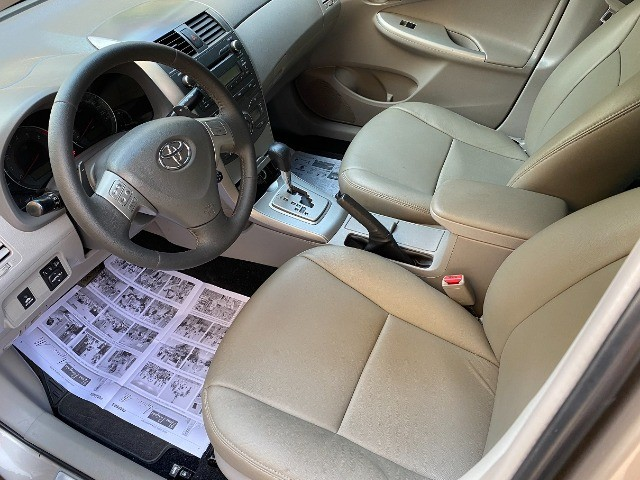 Toyota Corolla 2011 Xei 2.0 Automático novinho e sem detalhes! Troco e Financio! - Foto 3