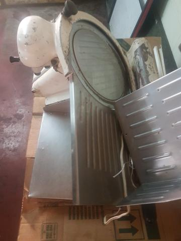 Fatiadora de Frios Filizona Automática
