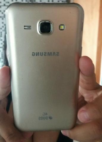 J5 troco por outro celular de preferência iPhone