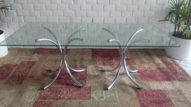 Mesa retangular de vidro 2x1 com pés cromados sem as cadeiras
