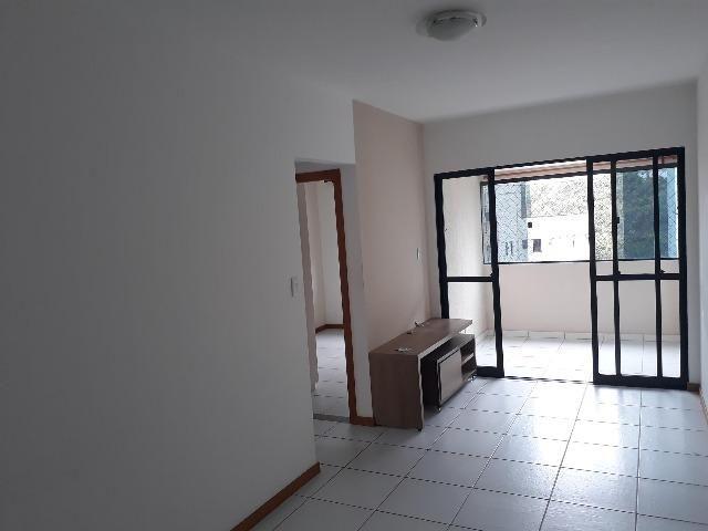 Apartamento 2/4, Varanda, Elevadores, garagem