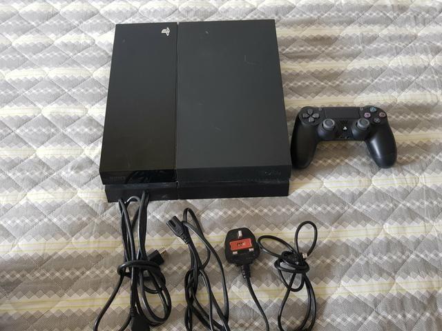 Playstation 4 500gb (71)99328-5616