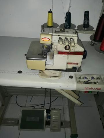 Máquina Overlock Melco