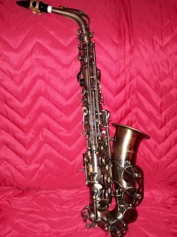 Sax alto marca shelter cor envelhecida