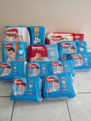 Vendo 11 pacotes de fraldas Huggies
