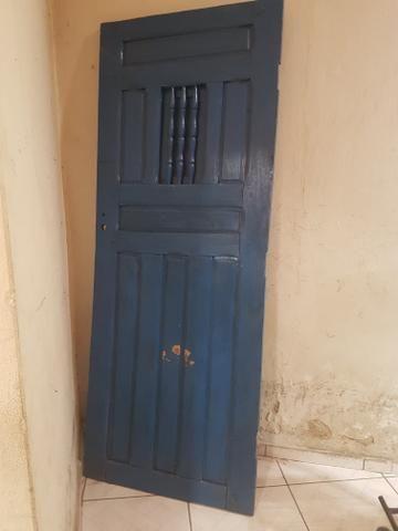 Vendo porta de cedro