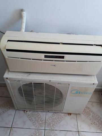 Ar-Condicionado Split High Wall 9000 BTUs Quente/Frio