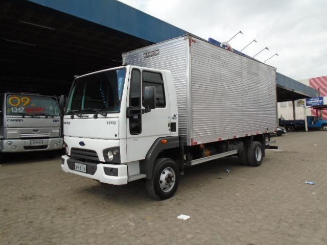 Ford Cargo 1119 Baú alongado