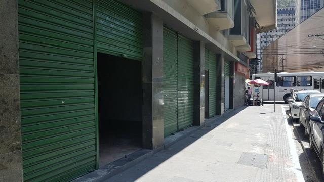 Lojão de 240m2 com 1 vaga de garagem, Centro de Vitória - Direto com Proprietário