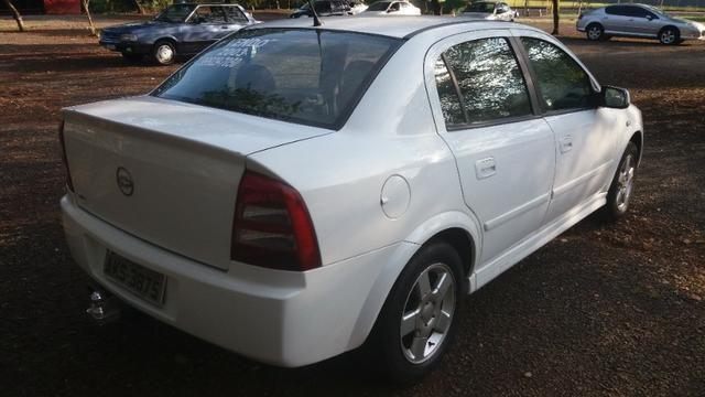 Astra sedan 1.8 álcool - Foto 5