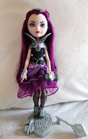 Boneca Ever After High Raven Queen Wave 1
