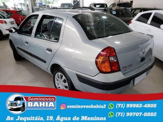 Renault Clio Sedan Authentique 1.0 Manual Gasolina 2004 - Foto 3