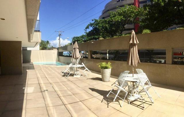 Apartamento com 3/4 sendo 2 suítes + escritório bem próximo da praia - Foto 11