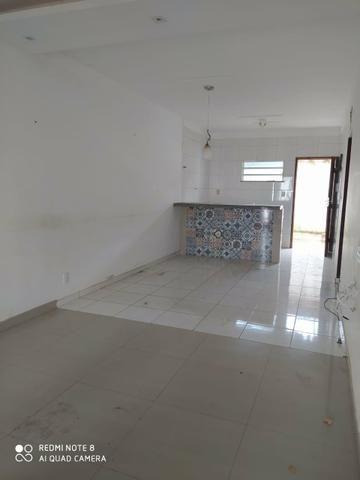 Casa em residencial fechado com area de lazer com Psicina e churrasqueira - Foto 4