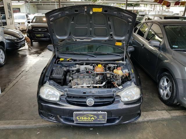 GM - Chevrolet Classic ano 2006 com Kit gas legalizado ate 2021 - Foto 5