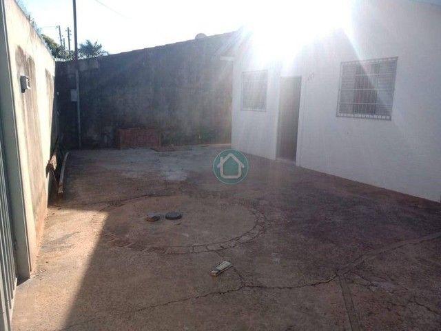Casa no bairro Jd. Centenário para locação R$750,00. - Foto 2
