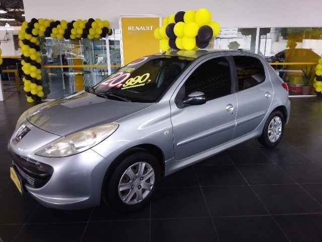 Peugeot 207 1.4 Manual 2011 R$20.996,00 - Foto 2