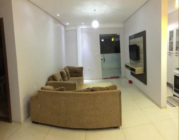 Sala comercial c/ dois apartamentos, valor negociável