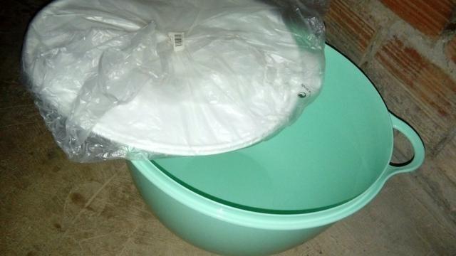 Tupperware 14 litros verde
