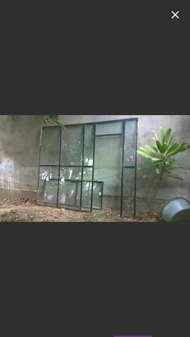 Porta ou divisória de vidro frente de loja